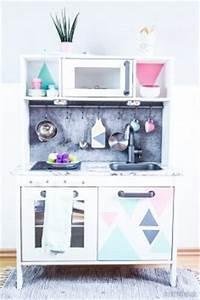 Ikea Kinderküche Erweitern : ikea duktig kinderk che pimpen 10 einfache diy tricks f r eure spielk che werbung ~ Markanthonyermac.com Haus und Dekorationen