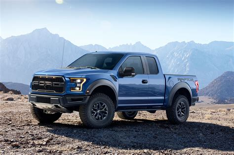 2017 Ford F150 Raptor Left Front Angle Photo 1