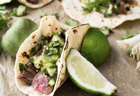 wraps richtig falten typisch mexikanisch wraps tortillas f 252 llen und richtig falten k 252 chentipps