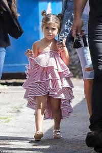 Kourtney Kardashian heads to the movies with Penelope ...