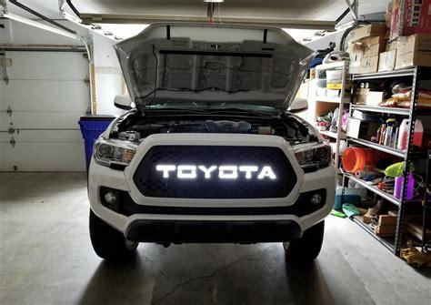 db customz tacoma drop  grille insert trd style