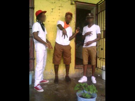 gangsters orders imprisoned gang leaders  running