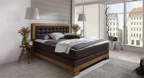 schlafzimmer komplett günstig mit boxspringbett boxspringbett mit nachttisch und kleiderschrank aronia