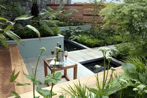 lovely small minimalist garden design ideas  concrete pathways small ponds patio