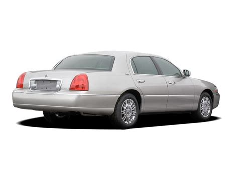Lincoln Town Car Reviews Rating Motor Trend