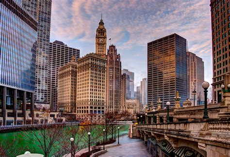 chicago skyline  riverwalk spudart