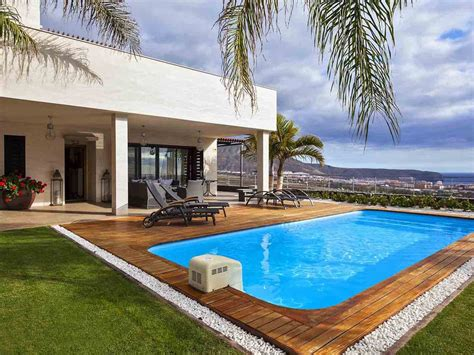 Luxury Villa With Spectacular Views And Private ...
