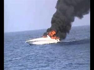 Feu De Navigation Bateau : bateaux en feu entre st martin et st barth youtube ~ Maxctalentgroup.com Avis de Voitures
