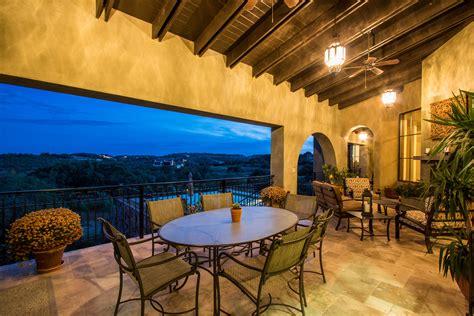 realtors  home sellers open doors showcase luxury homes  spanish oaks