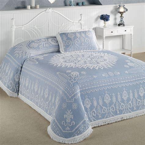 spirit  america candlewick bedspread bedding