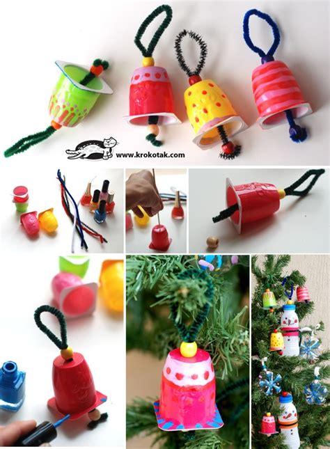 decoracions d arbre de nadal amb pots de iogurt pintura i
