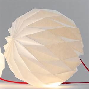 Origami Lampe Kaufen : papier gestalten mit lochmuster myo make your own ~ Markanthonyermac.com Haus und Dekorationen