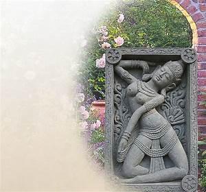 Wand Deko Stein : kleiner deko buddha als relief aus stein f r die wand ~ Lizthompson.info Haus und Dekorationen