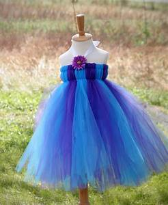 Tuto Tutu Tulle : tutus on pinterest tutu dresses christmas tutu dress and christmas ~ Melissatoandfro.com Idées de Décoration