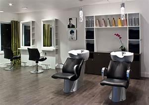 Mobilier Salon De Coiffure : quel mobilier de coiffure vous correspond le mieux estelle tendances estelle tendances ~ Teatrodelosmanantiales.com Idées de Décoration
