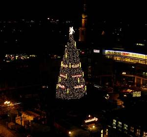 Engel Und Völkers Dortmund : der weihnachtsbaum mit dem engel in dortmund foto bild gratulation und feiertage ~ Orissabook.com Haus und Dekorationen