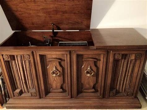 Sylvania Record Player Cabinet by 1970s Stereo Console Pictures To Pin On Pinterest Pinsdaddy