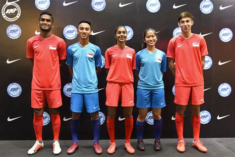 Fresh, Modern Singapore Kit Unveiled