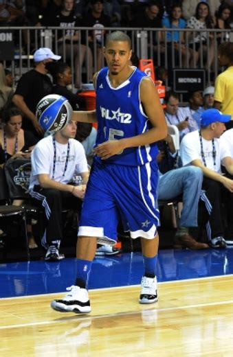 cole dunk  nba  star celebrity game