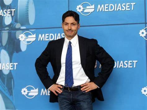 Mediaset Premium Sede Legale Mediaset Trasferisce La Sede Legale In Olanda Corriere It