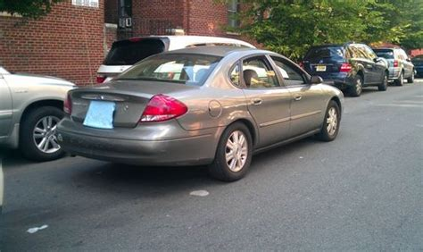 purchase   ford taurus sel sedan  door