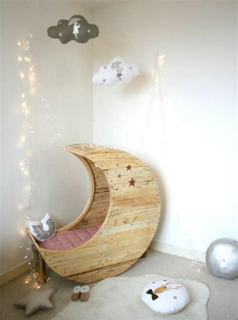 Kinderzimmer Deko Mond by Mond Babywiege Aus Europaletten Bettdecke M 228 Rchenhaft