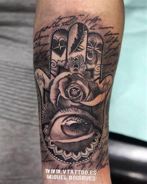 tattoos mit bedeutung familie hamsa die der fatima bedeutung 30 ideen