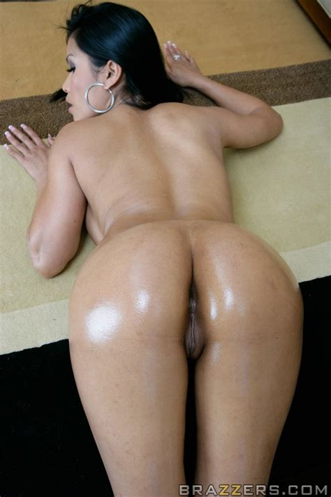 Mature sexy asian Babe Priva Shows Her big Wet ass And Boobs