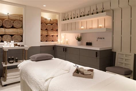 Spa Room : The Best Treatments To Book Now At London's Luxury Spas