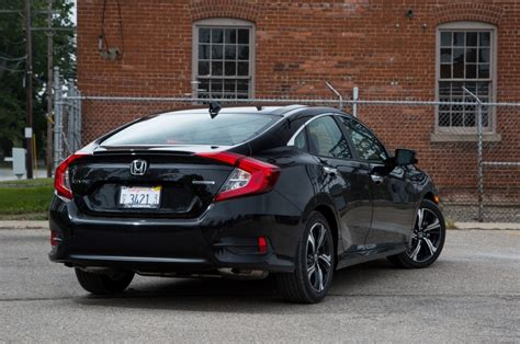 honda civic 2017 coupe the new 2017 honda civic si coupe spotted carnews2 com
