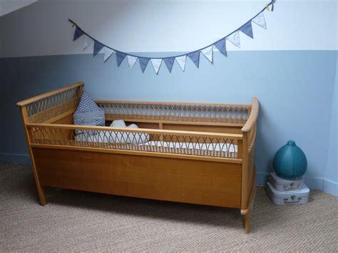 chambre de bébé vintage lit bébé vintage chambre d 39 enfant de bébé par maudlette