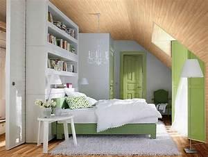 Zimmer Mit Dachschräge Gestalten : kleines schlafzimmer mit dachschr ge gestalten ~ Lizthompson.info Haus und Dekorationen