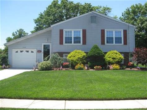 split level house landscaping ideas for landscaping a bi level house gardens landscaping hardscaping and yards pinterest