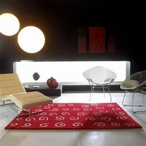 tapis de luxe design rouge arabesque par carving With tapis design luxe