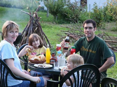 Grill Im Garten by Ferienwohnung 1 Haus Am Waldesrand Leutenbach Familie