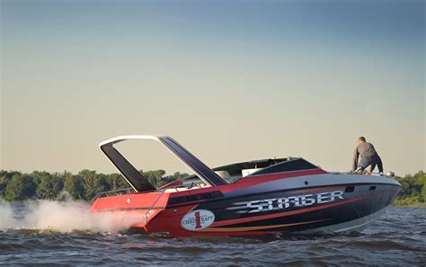 Chris Craft Performance Boats by The Chris Craft Stinger Arch Troubled Waters