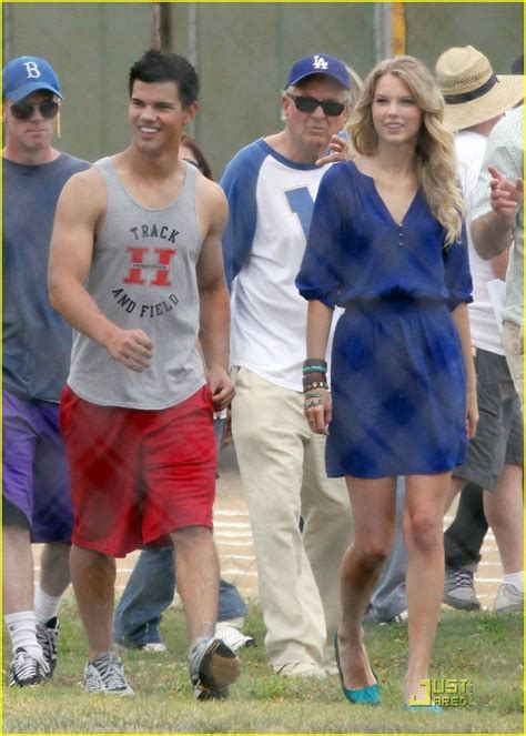 with taylor lautner | Taylor swift street style, Taylor ...
