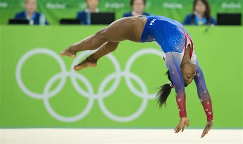 simone biles wins floor exercise for record tying 4th