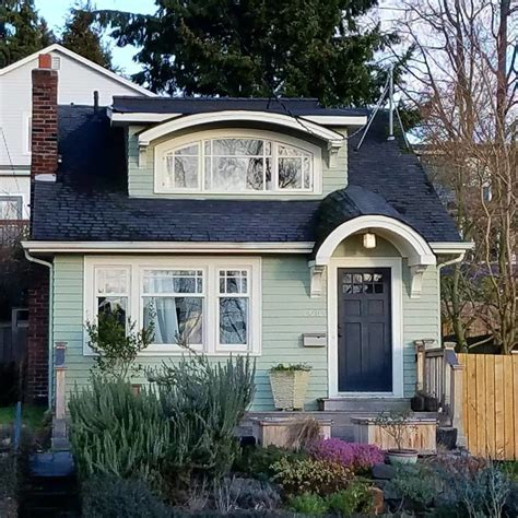 50 house colors to convince you to paint yours
