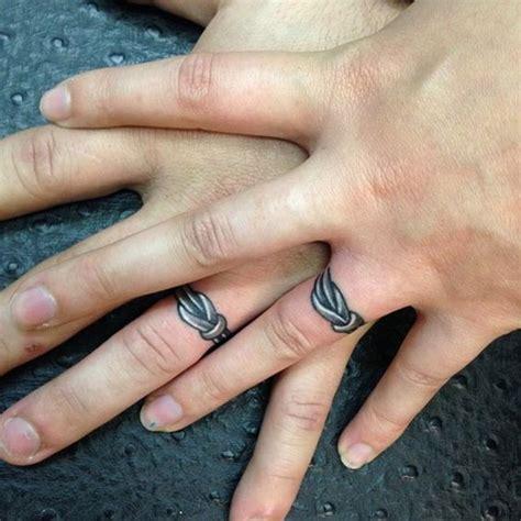barbed wire wedding ring tattoo eenvoudig bruiloft and prikkeldraad pinterest