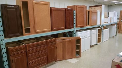 kitchen cabinets clearance clearance cabinets pease warehouse and kitchen showroom 5962