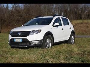 Equipement Dacia Sandero Stepway Prestige : dacia sandero stepway 1 5 dci prestige prova su strada youtube ~ Gottalentnigeria.com Avis de Voitures