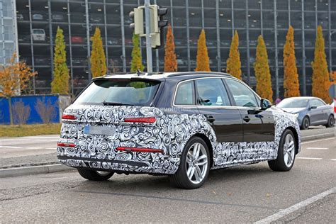 2020 Audi Q7 by 2020 Audi Q7 Facelift Spied Features Dual Screen