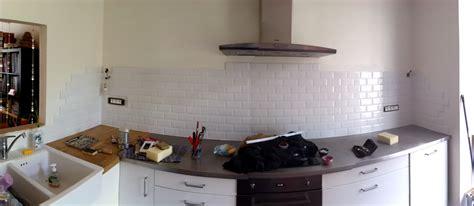 placo hydrofuge cuisine étagères sur mur en placo