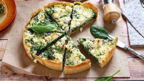 Pite me spinaq: Recetë e thjeshtë me shije delikate ...