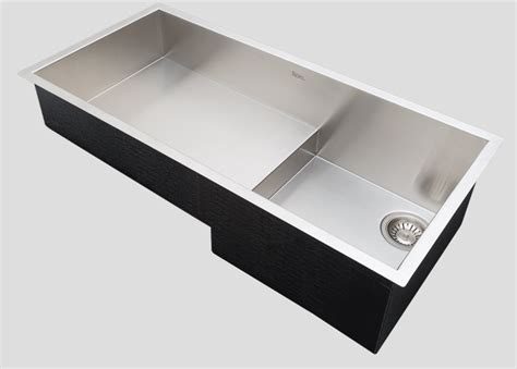 rohl sloped sink creates space