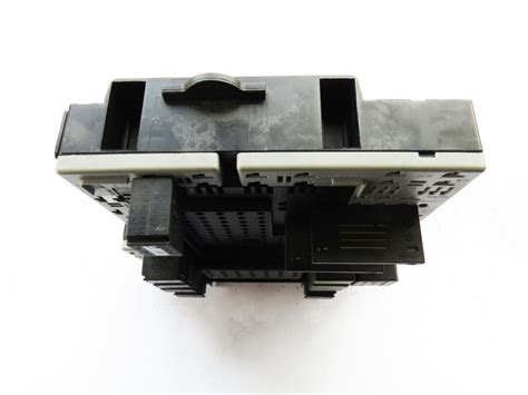 Volvo S80 T6 Fuse Box by Volvo Oem Fuse Box 8645729 8688153