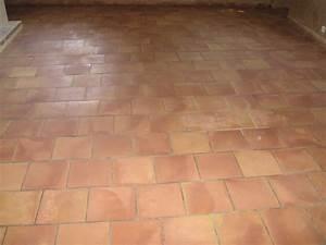 Nettoyer Un Carrelage : nettoyer carrelage brillant trendy comment poser carrelage mural salle de bain comment nettoyer ~ Melissatoandfro.com Idées de Décoration