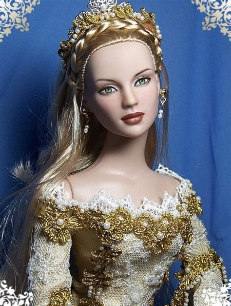 old fashion beauty queen tonner barbie doll dollies
