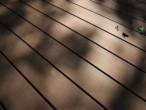 Terrasse Aus Kunststoff by Wetterfeste Terrassendielen Aus Holz Kunststoff
